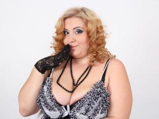 SallyMooreX live oral sex show