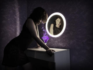 Webcam model AmethystCharm from XLoveCam