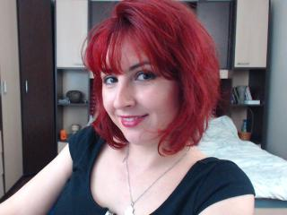 Webcam model Cleoona from XLoveCam