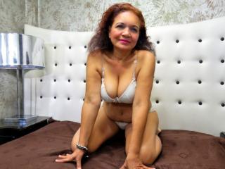 Webcam model Kariito from XLoveCam