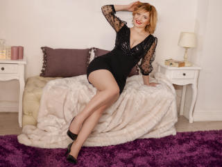 Webcam model LiannePonti from XLoveCam