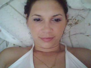 Webcam model Lorenne from XLoveCam
