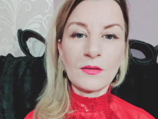 Webcam model TaylorX from XLoveCam
