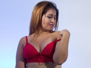 Webcam model ToryMack from XLoveCam