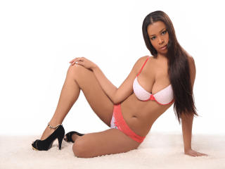 Webcam model WinnySweett from XLoveCam