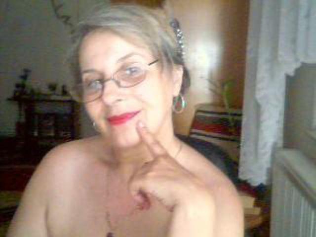 зрелые женщины по веб камерам такого святого